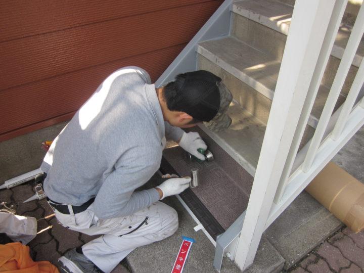 ●長尺シート敷設工事:階段