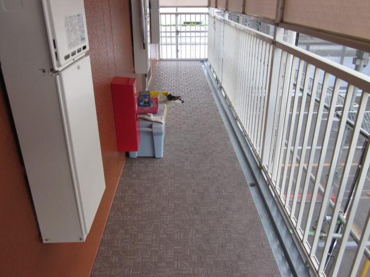 ●長尺シート敷設工事:2階廊下③