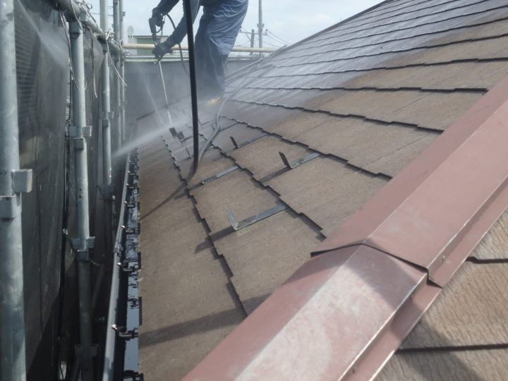 ●高圧水洗浄:屋根