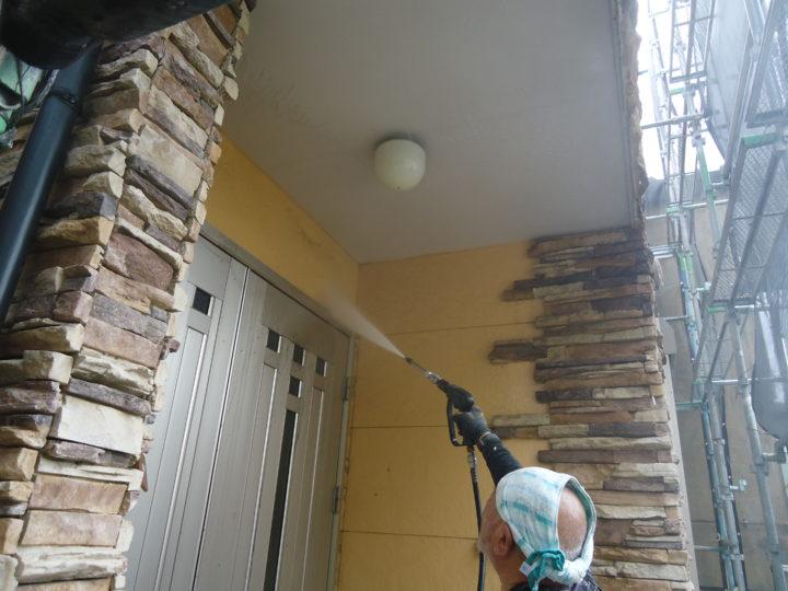 ●高圧水洗浄:外壁