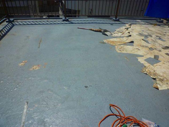 屋上 既存塗膜撤去