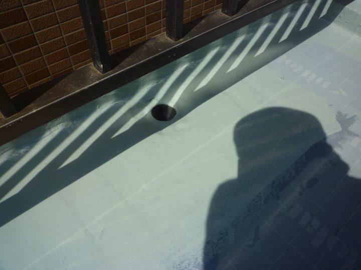 屋上 ウレタン材塗布(中塗り)
