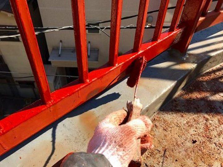鉄骨階段 錆止め剤塗布