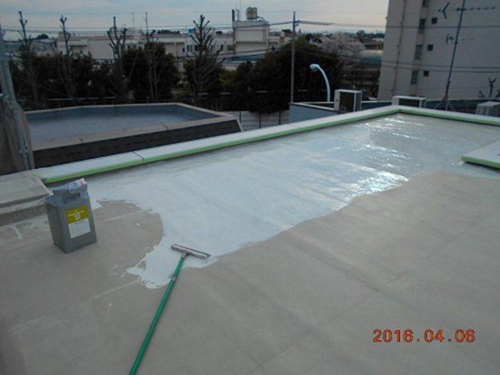 屋上防水 中塗り