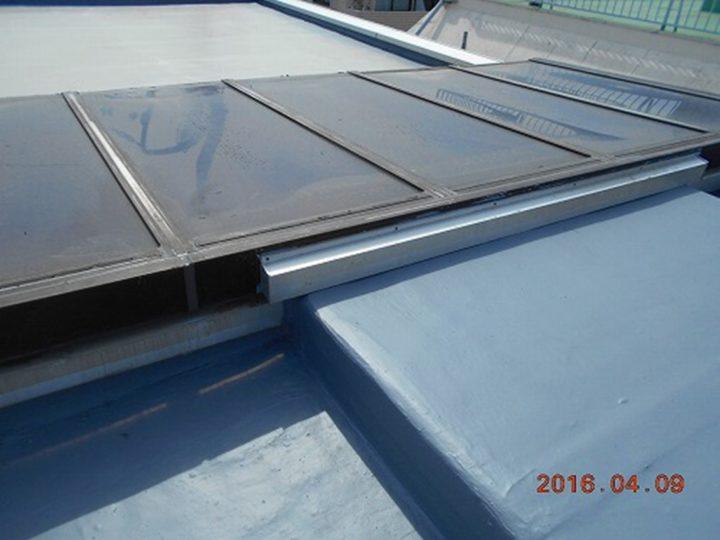 屋上防水 トップコート(上塗り)完了