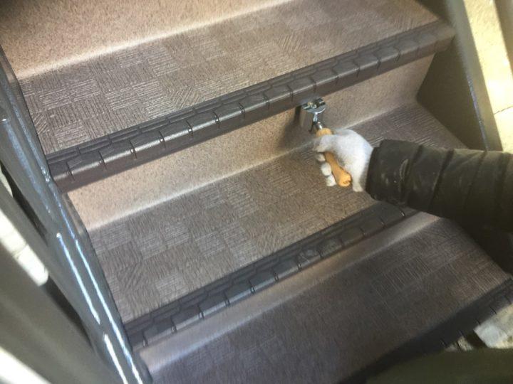 鉄骨階段平滑部分の張り込み