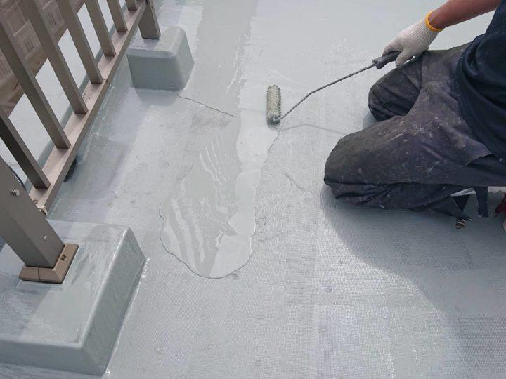 ウレタン防水塗装(下塗り)