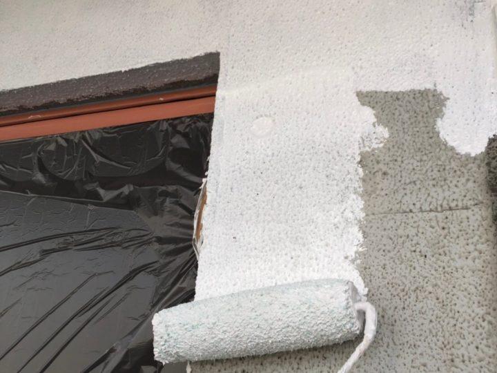 外壁塗装工事 第一回目塗装(下塗り)