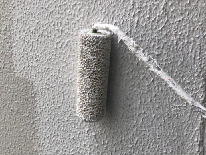 外壁塗装工事 第二回目塗装(中塗り)
