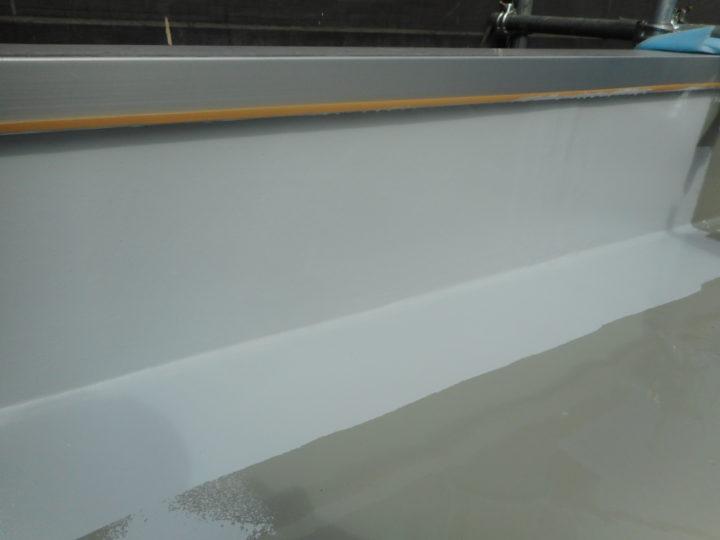 屋上防水 トップコート塗布②