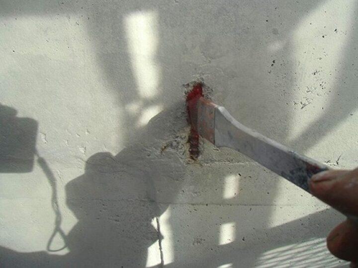 外壁 爆裂 錆止め塗布