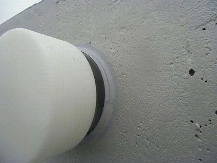 外壁 照明灯 コーキング補修