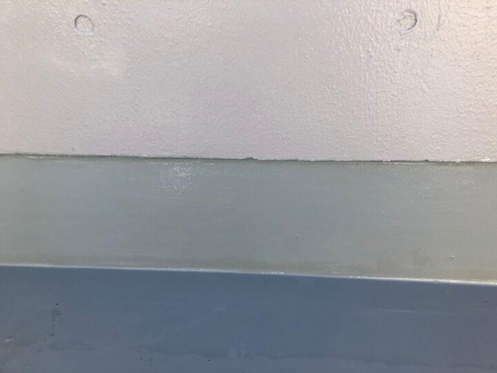 屋上立上り:ウレタン塗膜防水材塗布(第3回目)
