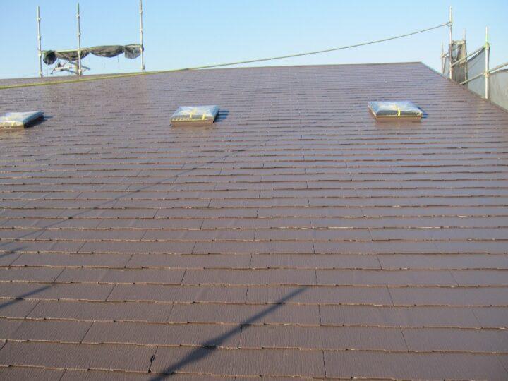 工種:屋根塗装工事 上塗材塗布(第1回目)