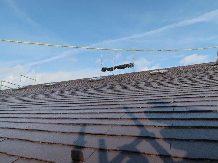 工種:屋根塗装工事 上塗材塗布(第2回目)