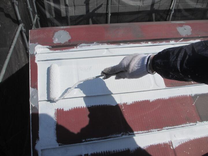 屋根塗装:中塗り塗装