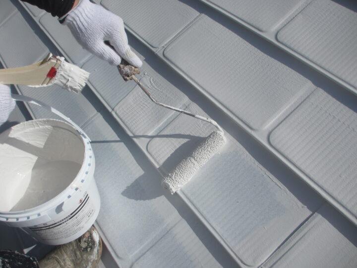 屋根塗装:上塗り塗装