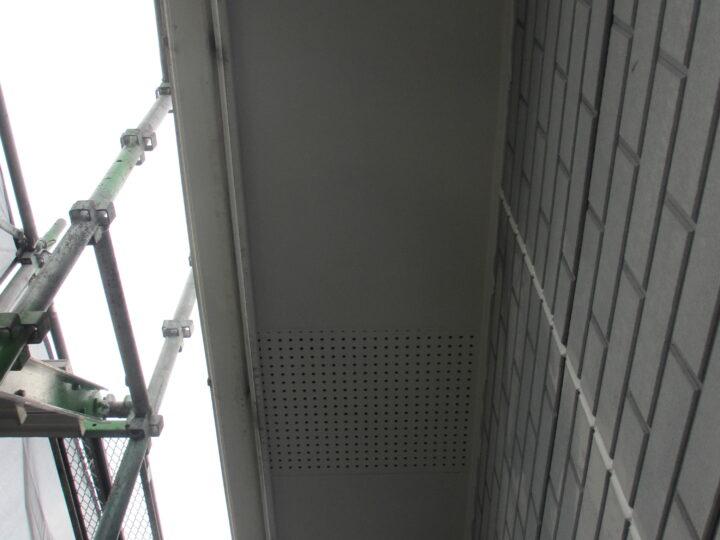 工種:外壁塗装 軒天 第2回目塗装