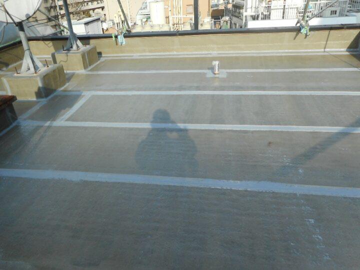 屋上防水工事 通気緩衝シート設置