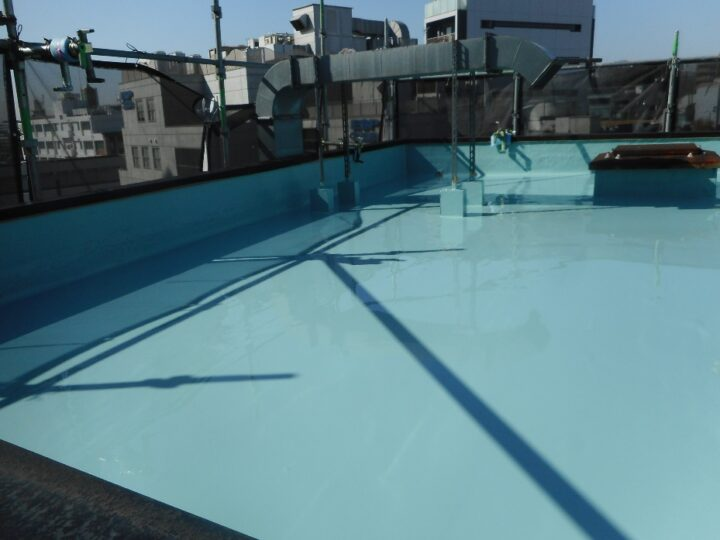 屋上防水工事 ウレタン塗膜防水 第2回目塗装