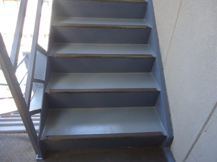 東京都台東区 Nビル 鉄骨階段塗装工事